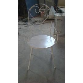 Chaise de jardin en fer forgé
